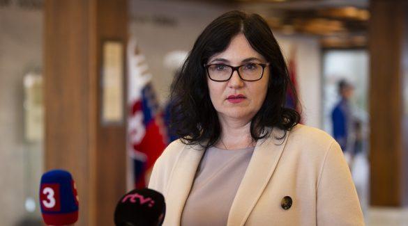 A miniszter szerint vonzóbb lett a pedagóguspálya, a tanári kamara szerint nem