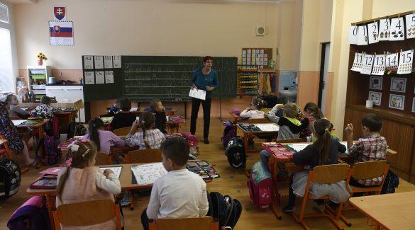 az oktatásügyben