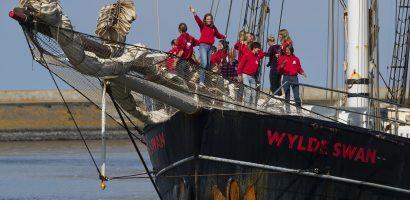 Koronavírus: Vitorláshajóval tértek haza a karibi tanulmányútról a holland diákok