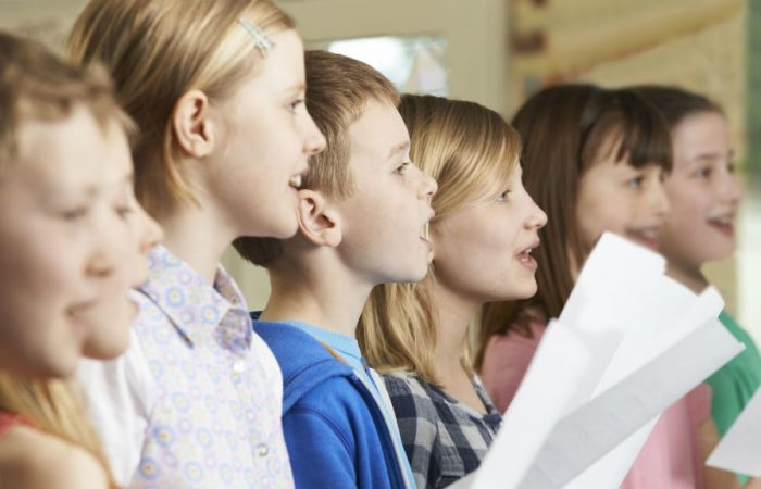 Mi folyik énekóra címszó alatt az iskolákban?