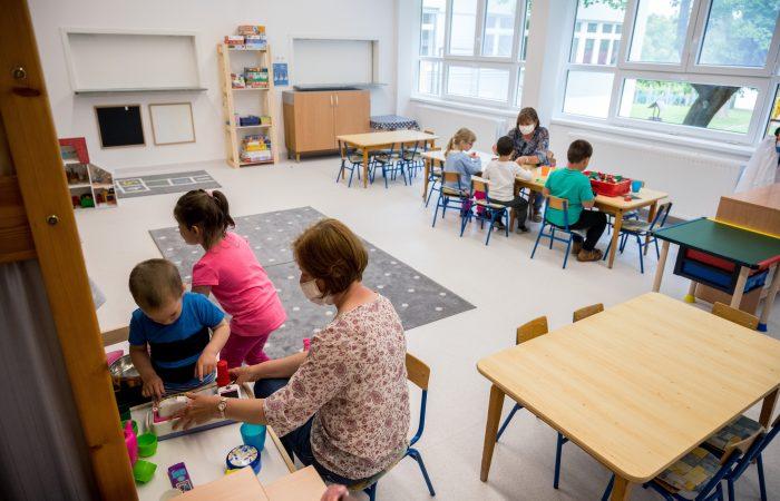Nem ajánlják az óvodák kinyitását, tárgyalnak az iskolák sorsáról