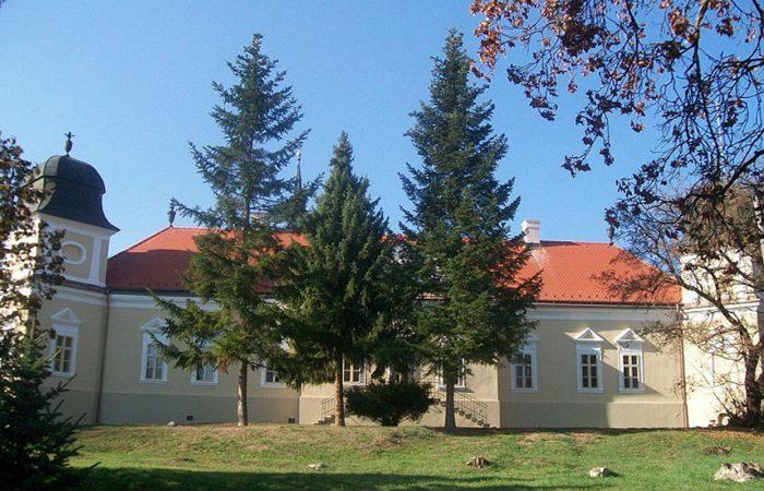 A-Madách-kastély-A-község-honlapjáról