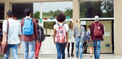 Jövő héten visszatérnek a padokba a középiskolák végzősei Nagyszombat megyében