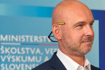 Gröhling: Külön odafigyelünk a 12 évnél idősebbek oltására