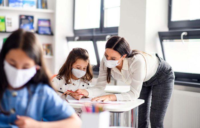 Fertőzések, karantén és iskolabezárások magyarországi iskolákban