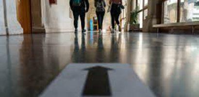 Több mint 5 és fél millió olasz diák tért vissza a tantermekbe