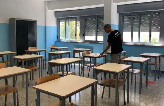 Már biztos, hogy jövő hétfőn nem nyitják ki az összes iskolát