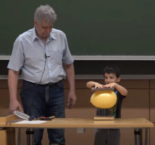 Härtlein Károly: Izgalmas fizikai kísérletek
