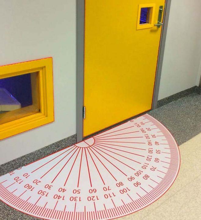 matek ajtó Kreatív iskolai