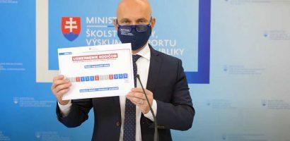 A miniszter magyarázza a tesztelés utáni helyzetet