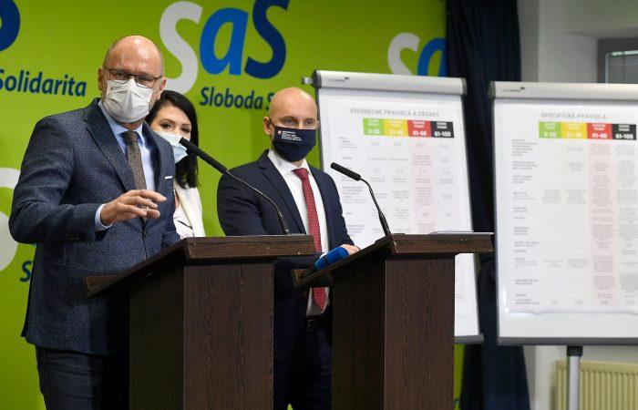 Gröhling november 30-án megnyitná az iskolákat