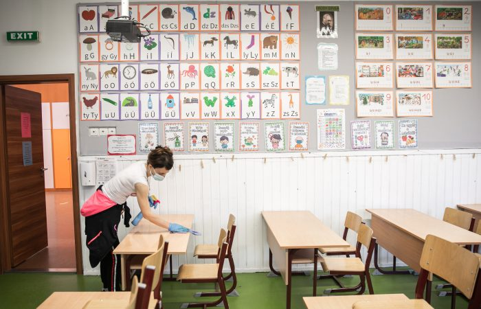 Az iskolák nem pedagógiai alkalmazottai is jelentkezhetnek oltásra