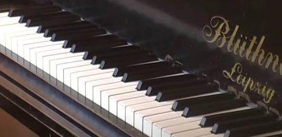 ZongoraÓra, III. rész, Játék két kézzel, dalok kísérettel