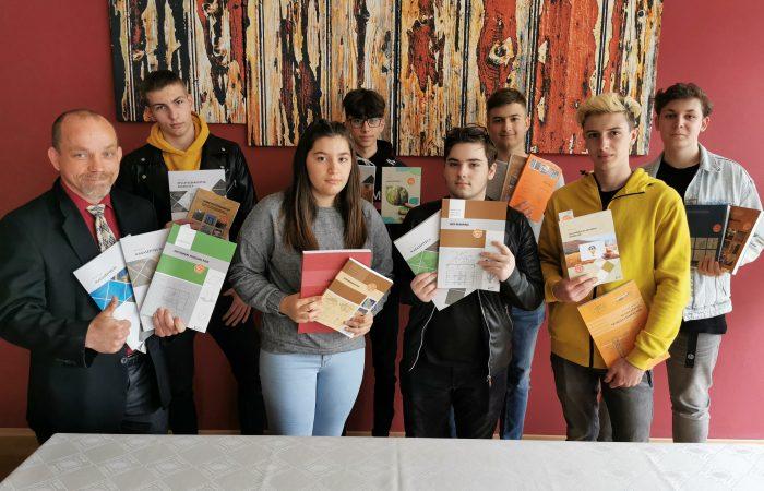 Új szaktankönyvek a dunaszerdahelyi építészeti szakközépiskolában