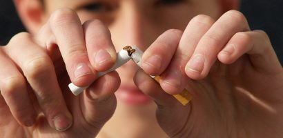 A gyerekek 59%-a már alapiskolás korában rágyújt